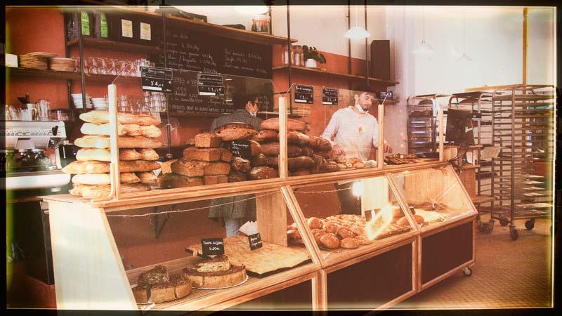 Photo de l'intérieur de la boulangerie La Source à Forcalquier 04300 - 800x450