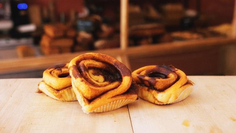 Photo des roulé à la cannelle de la boulangerie bio La Source à Forcalquier 04300