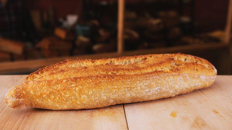 Photo baguette de pain au levain naturel de la boulangerie bio La Source à Forcalquier 04300